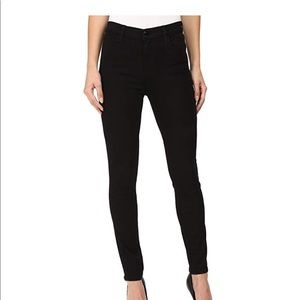 Maria High-Rise Skinny in Seriously Black